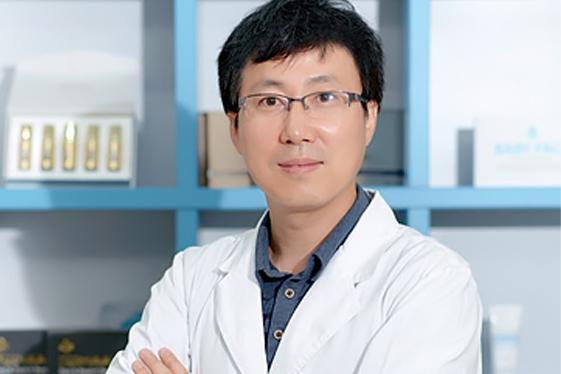 DR. JUNG
