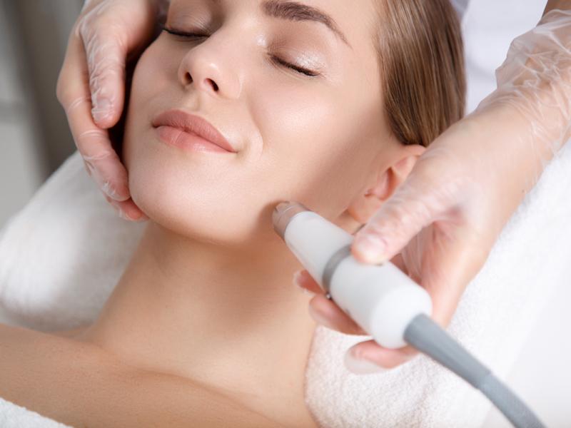 皮膚科で処方されるハイドロキノンと同等の濃度のクリームです